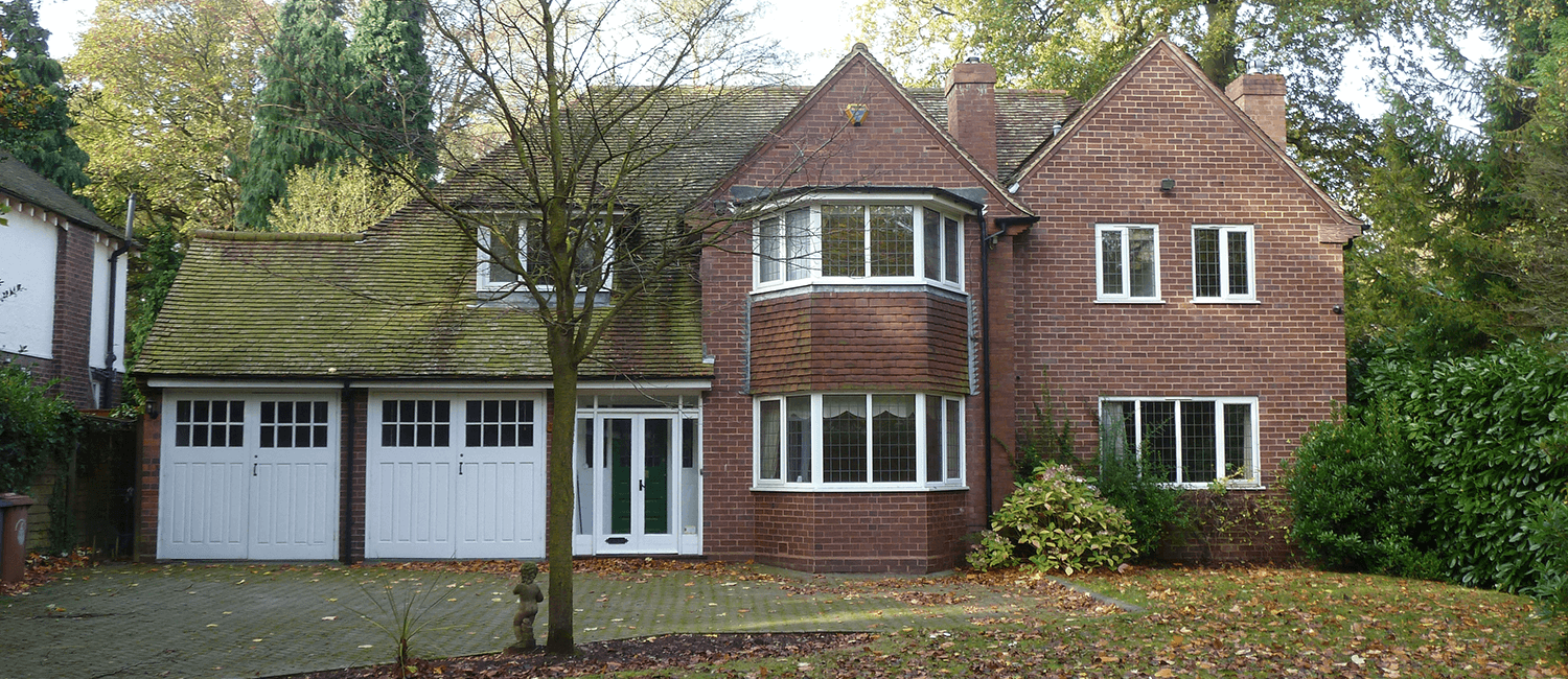 lichfield-large-detached-brick-property